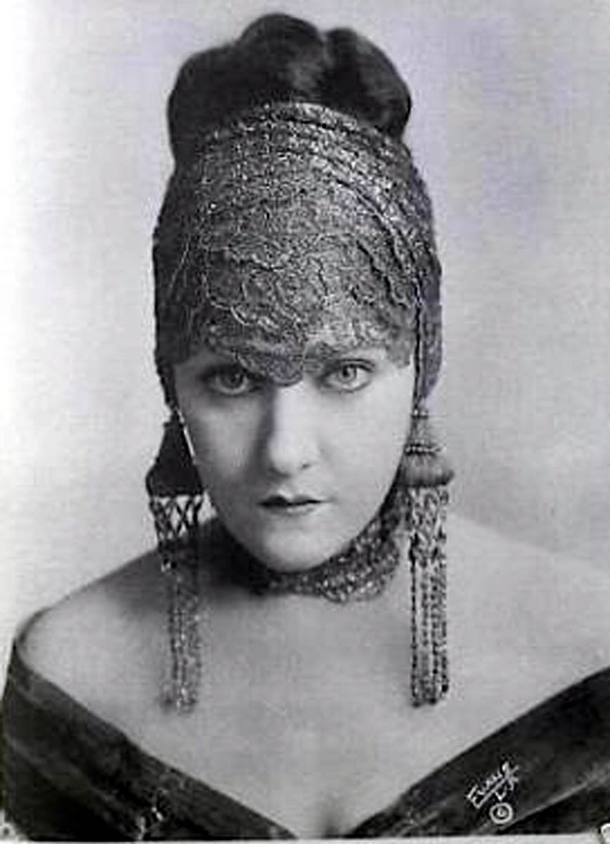 Gloria Swanson Diva do cinema mudo .